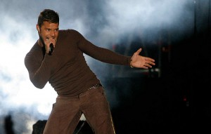 Father of two babies, here is the photo of Ricky Martin in concert